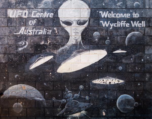 So many aliens.
